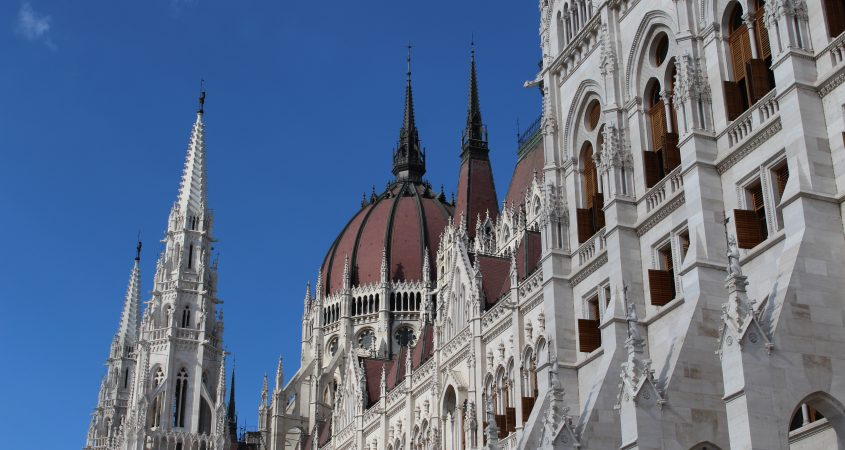 6 best things to do in Budapest - Hungarian parliament building