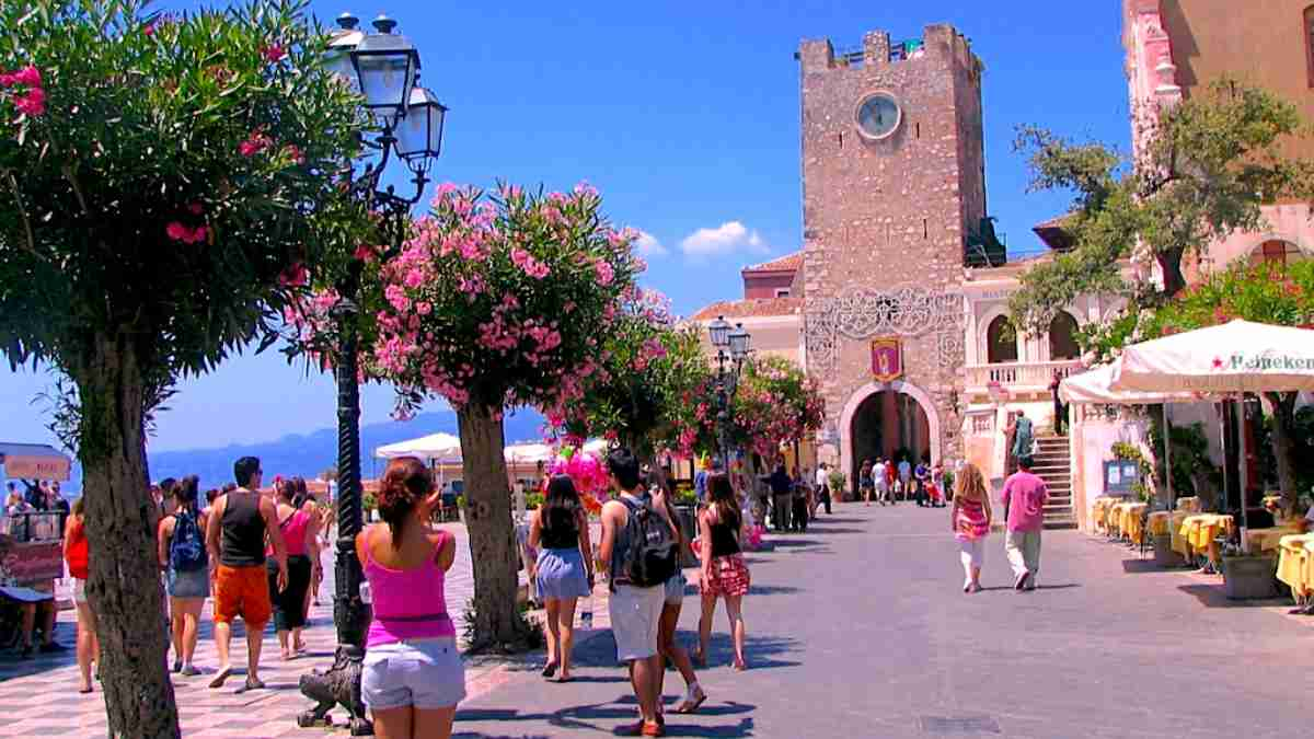 What to do in Taormina, beaches, day trips and more