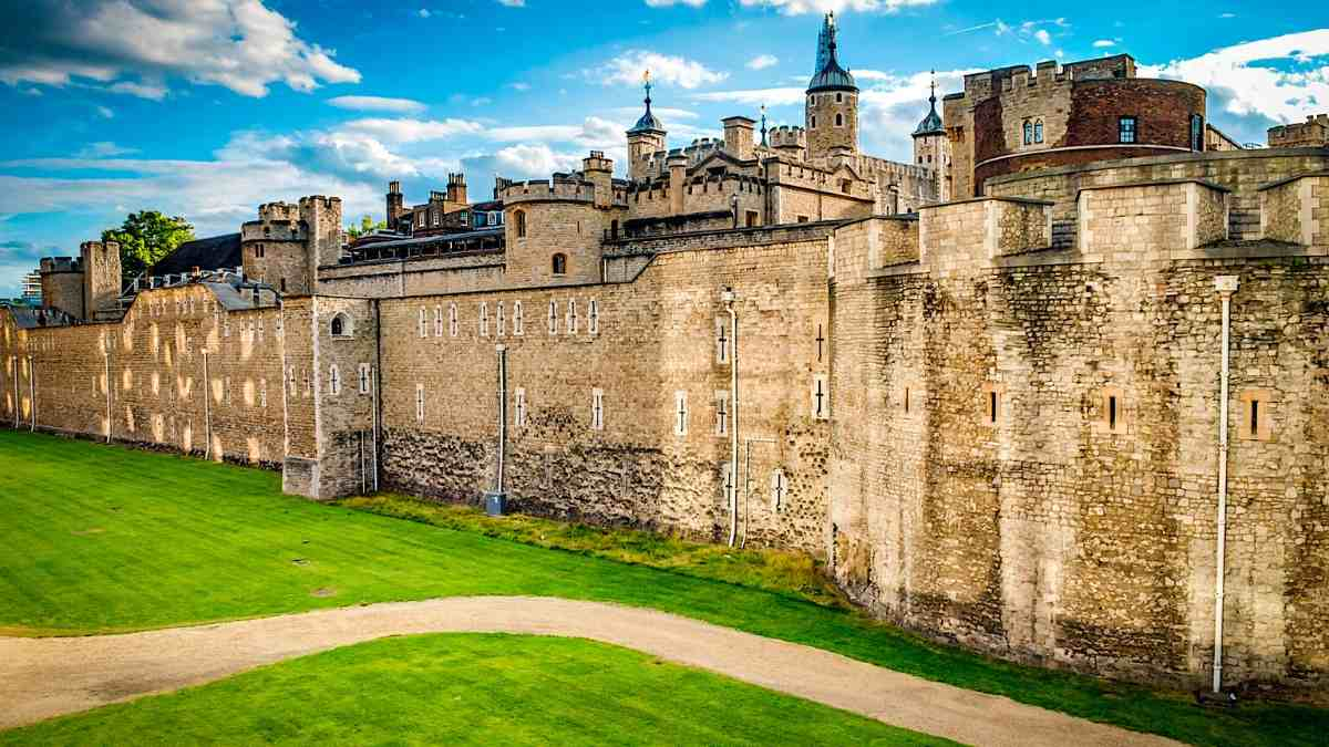 Tower of London Tour, Tickets, Prices and Highlights