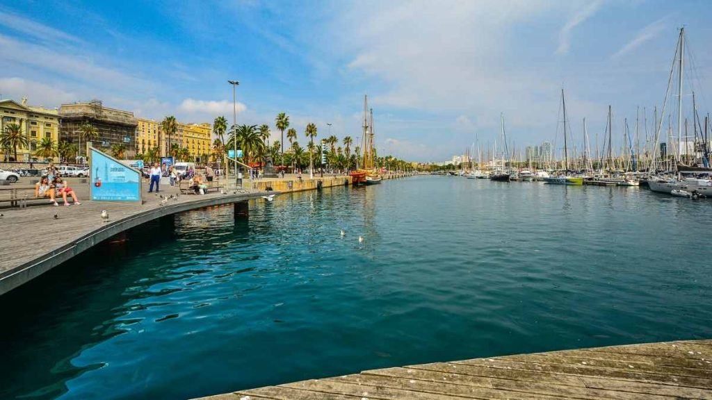 3 days in Barcelona harbor