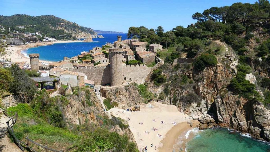 tossa de mar barcelona day trip