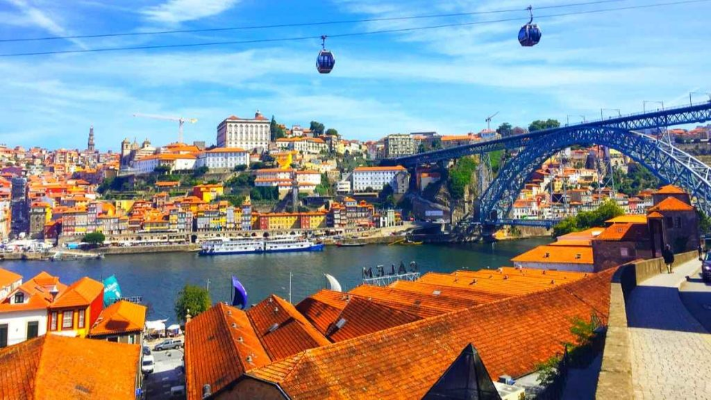 porto city break villa de nova gaia view