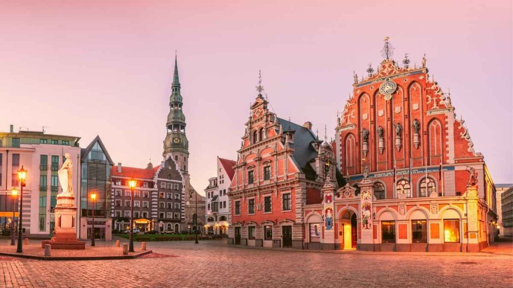 what to do in Riga - town hall square