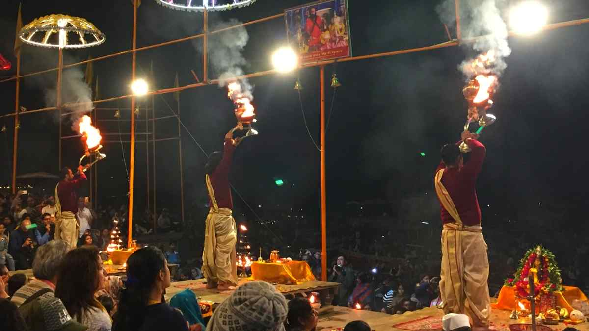 places to visit in varanasi aarti