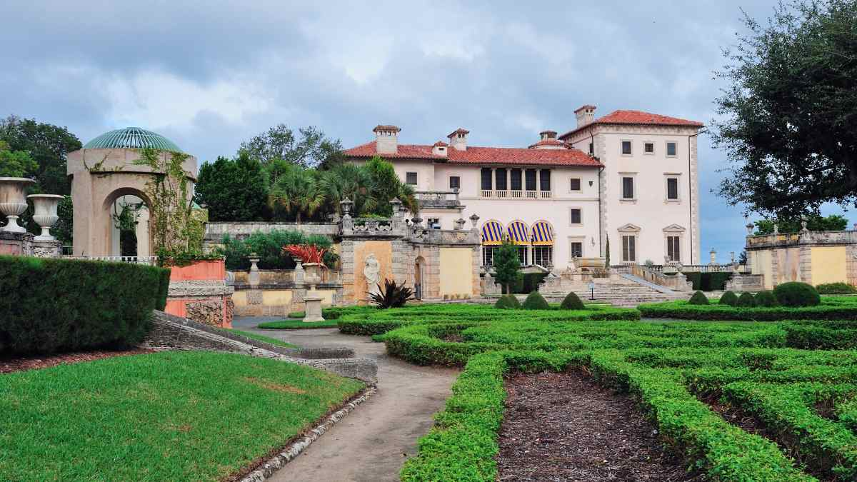things to do in miami for couples vizcaya museum