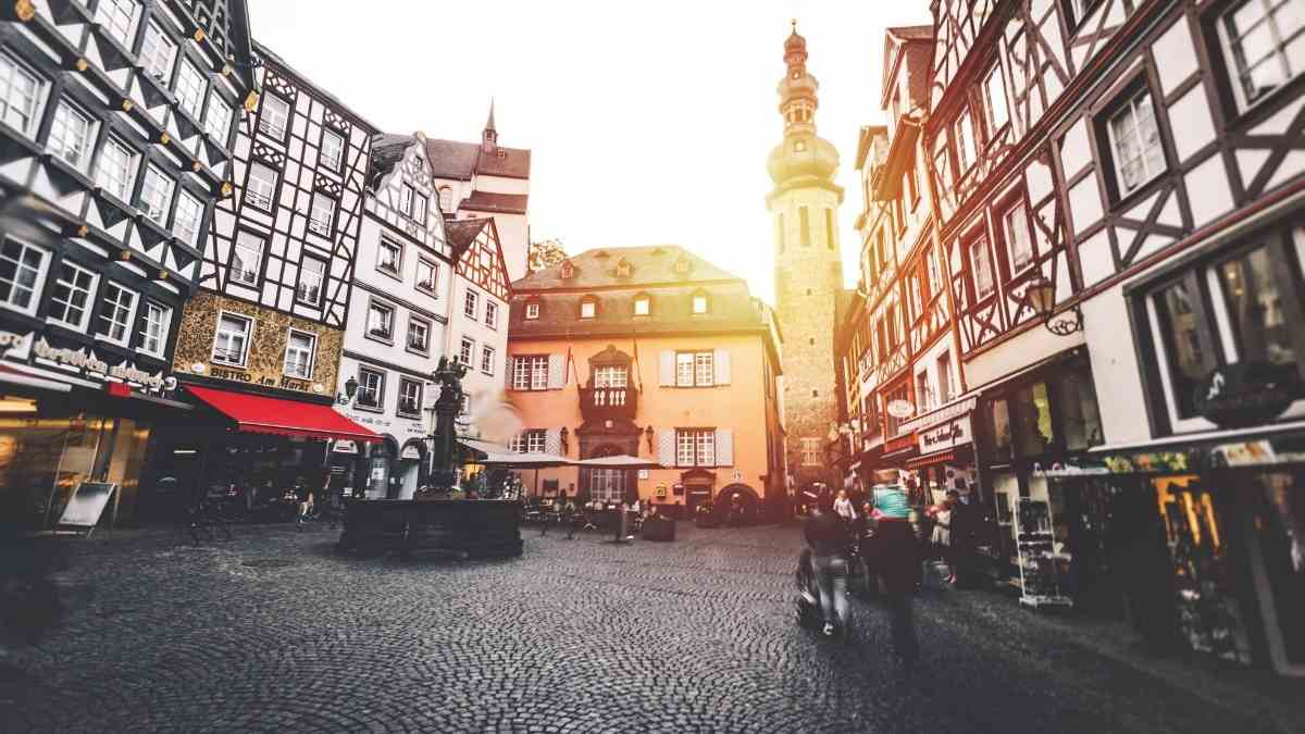 things to do in cochem market square