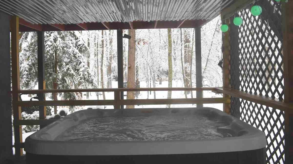 airbnb poconos cabins hot tub 6
