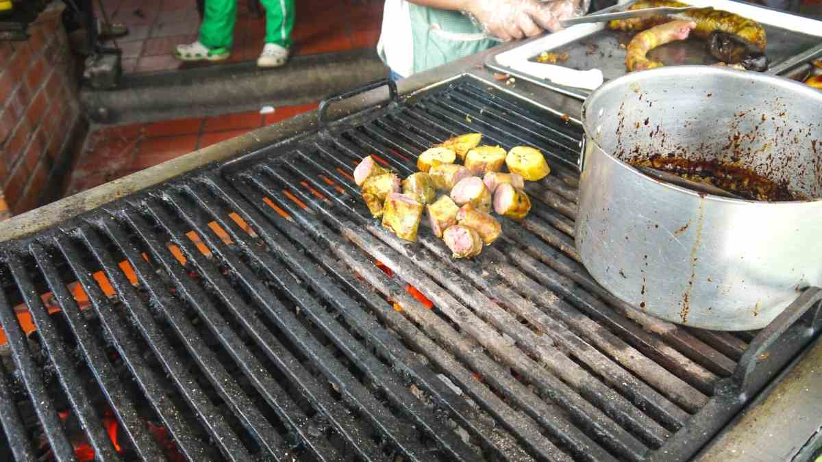living in colombia cartagena street food