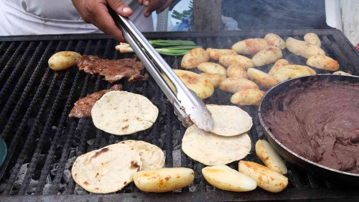 cost of living in guatemala street food