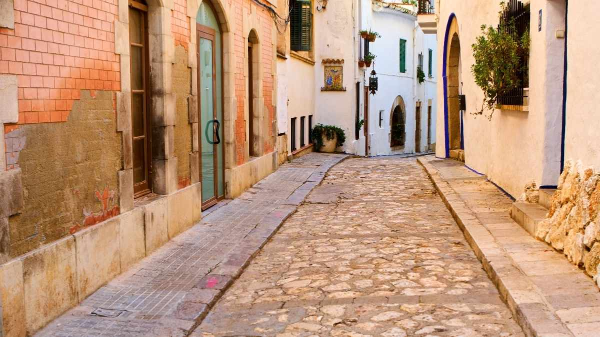 sitges airbnb robe trotting